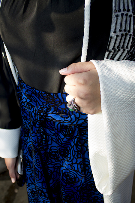Monochrome abaya with blue skirt08 edit
