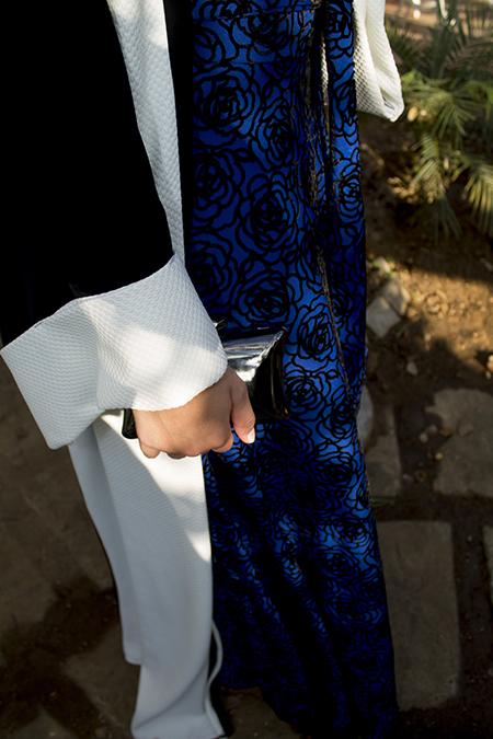 Monochrome abaya with blue skirt09 edit