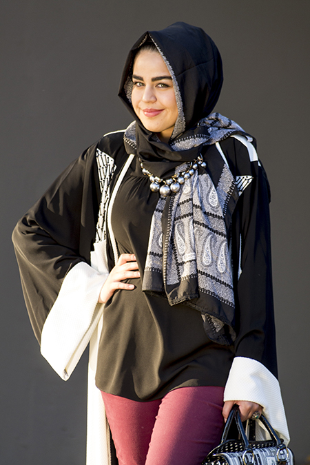Monochrome abaya with burgandy pants01 edit