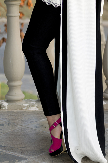 Monochrome abaya with lace and pink07 edit
