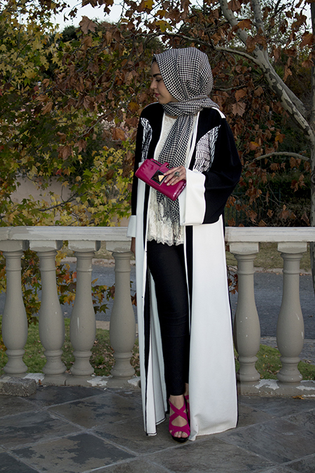 Monochrome abaya with lace and pink12 edit